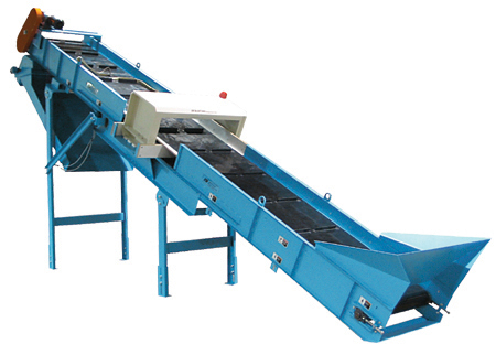 Grinder/Shredder Feed Conveyor w/optional metal detector